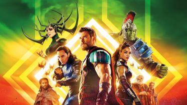Thor: Ragnarok - quiz wiedzy o arcyskeczu MCU. Tutaj walczysz z Hulkiem, a podpowiada Ci Miek