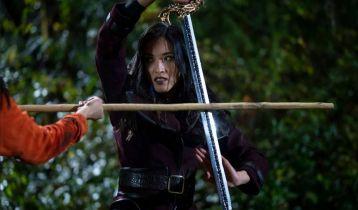 Kung Fu i Batwoman - zdjęcia z nadchodzących odcinków. Co się wydarzy?