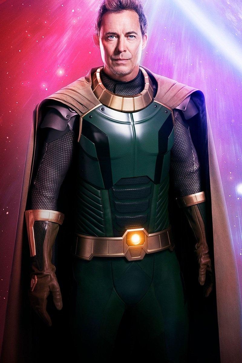 Tom Cavanagh jako Pariah w crossoverze Arrowverse